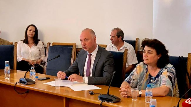 Министър Желязков се отчете за 2019-а